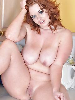 Hot RedHead Babes Pics