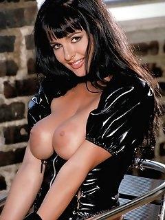 Latex Babes Erotic Pics