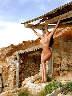 Hot Babes Outdoors Pics